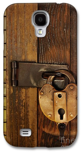 Old Door Galaxy S4 Cases - Old Padlock Galaxy S4 Case by Carlos Caetano