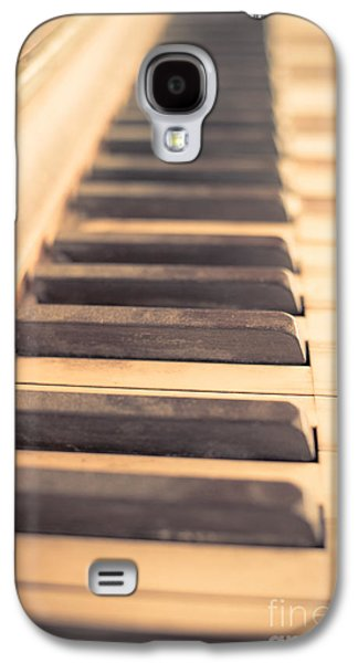 Keyboards Photographs Galaxy S4 Cases - Old Piano Keys Galaxy S4 Case by Edward Fielding