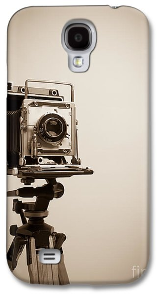 Studio Photographs Galaxy S4 Cases - Old Press Camera on Tripod Galaxy S4 Case by Edward Fielding