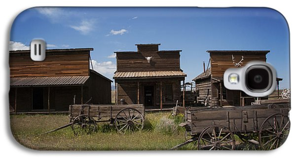 Wagon Photographs Galaxy S4 Cases - Old Trail Town Galaxy S4 Case by Juli Scalzi