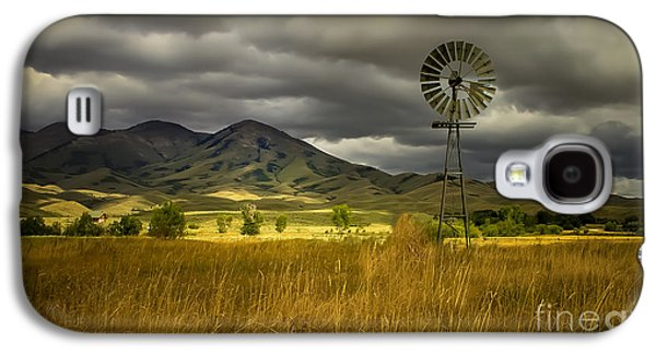 Haybale Photographs Galaxy S4 Cases - Old Windmill Galaxy S4 Case by Robert Bales