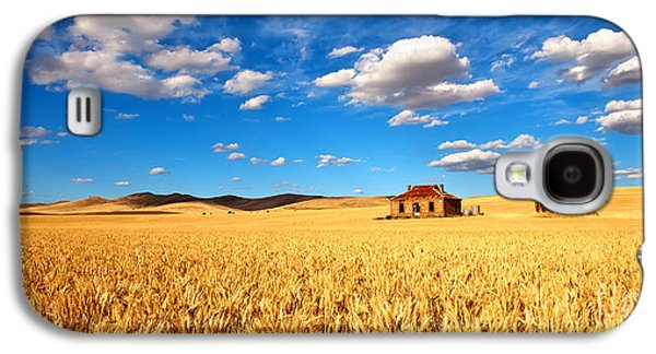 Farms Galaxy S4 Cases - On Golden Fields Galaxy S4 Case by Bill  Robinson