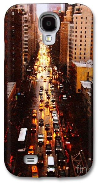 Rainy Day Photographs Galaxy S4 Cases - New York City on a Rainy Day Galaxy S4 Case by Nishanth Gopinathan