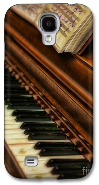 Pianist Photographs Galaxy S4 Cases - One Last Song  -  Piano Player - Pianist Galaxy S4 Case by Lee Dos Santos