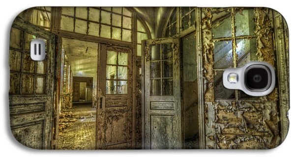 Haunted House Digital Galaxy S4 Cases - Open doors Galaxy S4 Case by Nathan Wright