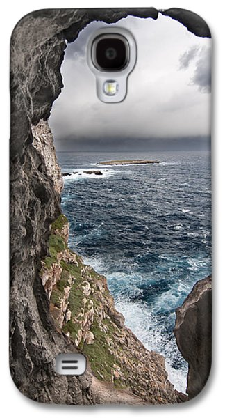 Sun Galaxy S4 Cases - A natural window in Minorca north coast discover us an impressive view of sea and sky - Open window Galaxy S4 Case by Pedro Cardona