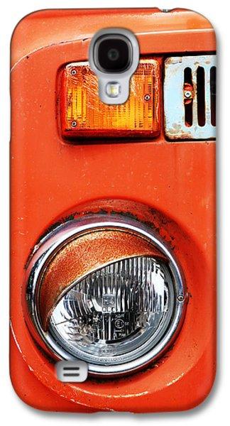 Old Trucks Photographs Galaxy S4 Cases - Orange Camper Van Galaxy S4 Case by Mark Rogan