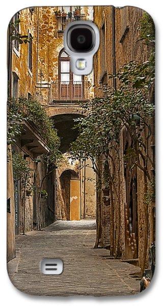 Orvieto Side Street Galaxy S4 Case by Lynn Andrews