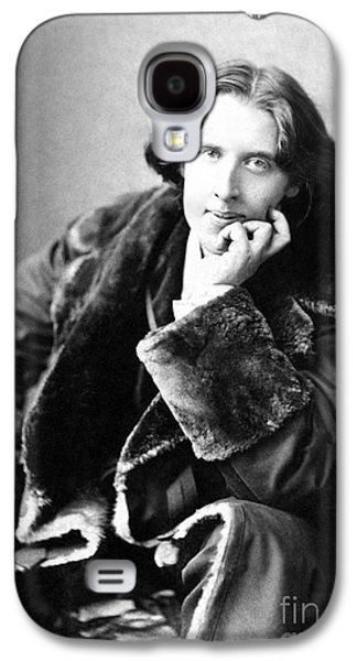 Character Portraits Photographs Galaxy S4 Cases - Oscar Wilde in his favourite coat 1882 Galaxy S4 Case by Napoleon Sarony