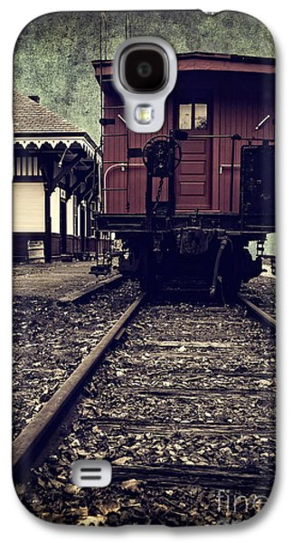 Caboose Photographs Galaxy S4 Cases - Other side of the tracks Galaxy S4 Case by Edward Fielding