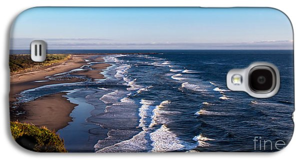 Haybale Galaxy S4 Cases - Pacific Ocean and the Columbia River Galaxy S4 Case by Robert Bales