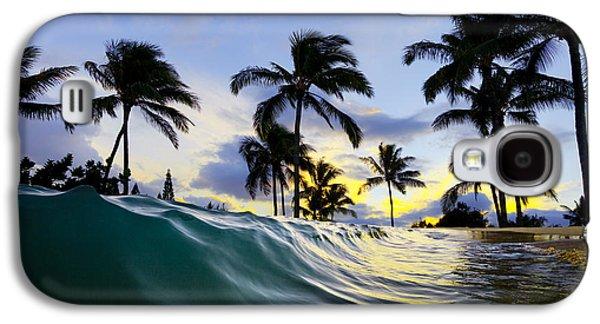 Sea Galaxy S4 Cases - Palm wave Galaxy S4 Case by Sean Davey