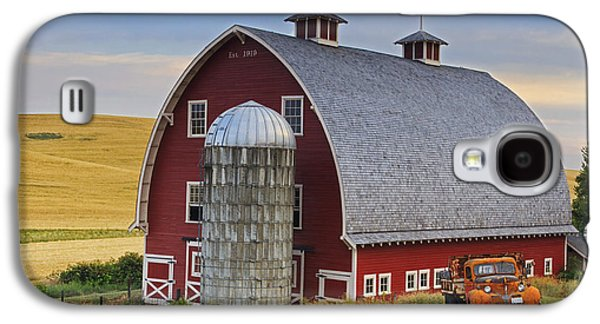 Old Trucks Photographs Galaxy S4 Cases - Palouse Barn - Est. 1919 Galaxy S4 Case by Mark Kiver