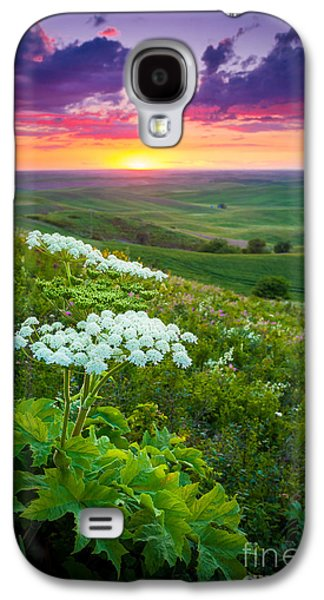 Harmonious Galaxy S4 Cases - Palouse Flowers Galaxy S4 Case by Inge Johnsson