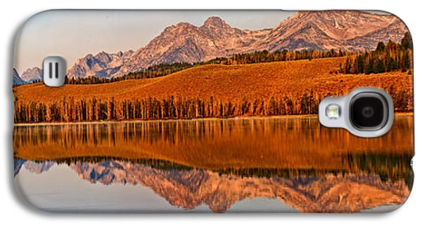 Haybale Galaxy S4 Cases - Panoramic Of Little Redfish Lake Galaxy S4 Case by Robert Bales