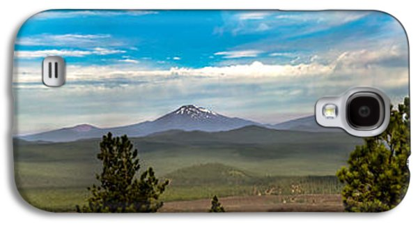 Haybale Galaxy S4 Cases - Panoramic View of the Cascades Galaxy S4 Case by Robert Bales