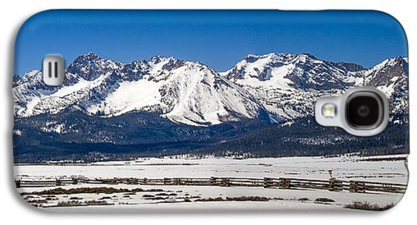Haybale Galaxy S4 Cases - Panormaic Sawthooth Mountains Galaxy S4 Case by Robert Bales