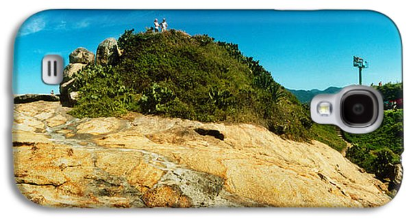 Beach Landscape Galaxy S4 Cases - People On Boulders That Separate Galaxy S4 Case by Panoramic Images