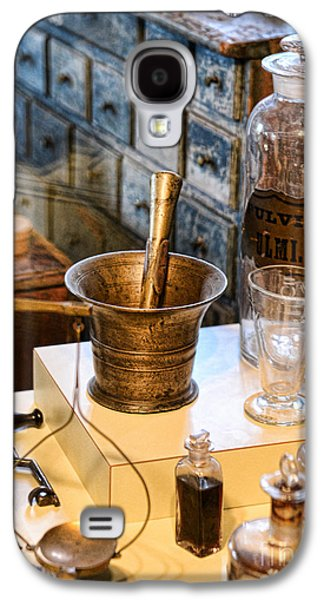 Pharmacist - Brass Mortar And Pestle Galaxy S4 Case by Paul Ward