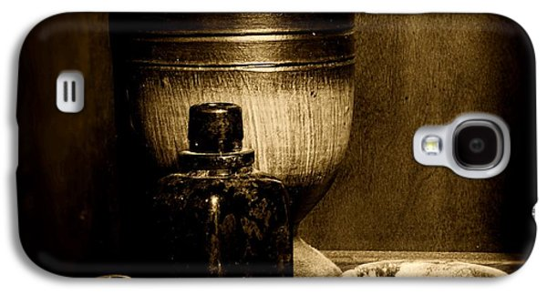 Old Grinders Galaxy S4 Cases - Pharmacy - wood mortar and pestle - black and white Galaxy S4 Case by Paul Ward