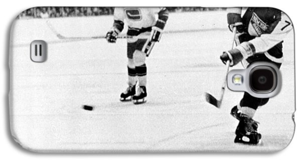 Ice-skating Galaxy S4 Cases - Phil Esposito in action Galaxy S4 Case by Gianfranco Weiss