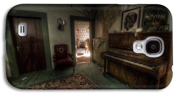 Haunted House Digital Art Galaxy S4 Cases - Piano corner Galaxy S4 Case by Nathan Wright