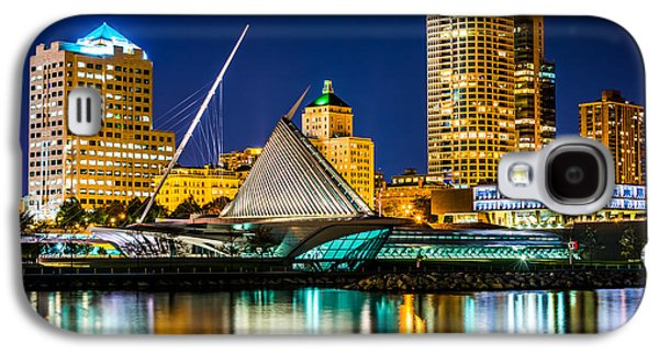 Picture Of Milwaukee Skyline At Night Galaxy S4 Case by Paul Velgos
