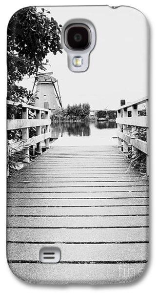 Wooden Platform Galaxy S4 Cases - Pier at Kinderdjik Galaxy S4 Case by Ivy Ho