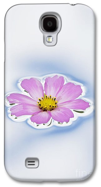 Abstract Nature Galaxy S4 Cases - Pink Cosmos flower floating on water Galaxy S4 Case by Tim Gainey