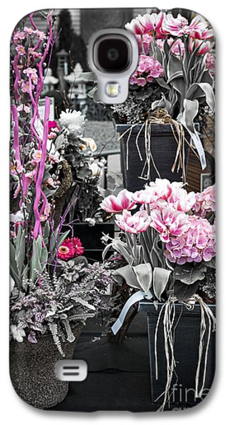 Flower Design Photographs Galaxy S4 Cases - Pink flower arrangements Galaxy S4 Case by Elena Elisseeva