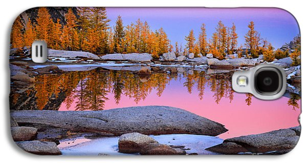 Geology Photographs Galaxy S4 Cases - Pink Tarn Galaxy S4 Case by Inge Johnsson