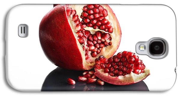 Studio Photographs Galaxy S4 Cases - Pomegranate opened up on reflective surface Galaxy S4 Case by Johan Swanepoel