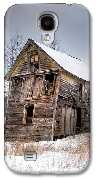 Barns In Snow Galaxy S4 Cases - Portrait of an Old Shack - Agriculural buildings and barns Galaxy S4 Case by Gary Heller