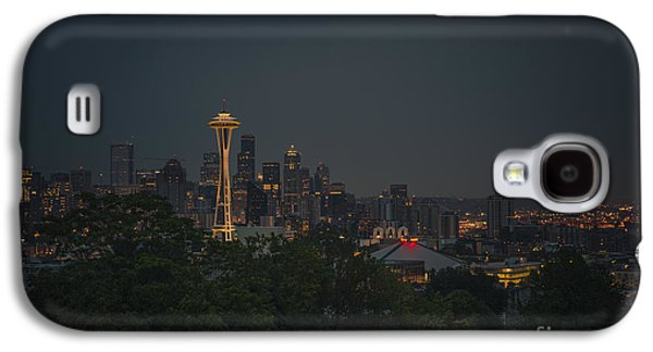 Skylines Photographs Galaxy S4 Cases - Pre-dawn Seattle Galaxy S4 Case by Gene Garnace