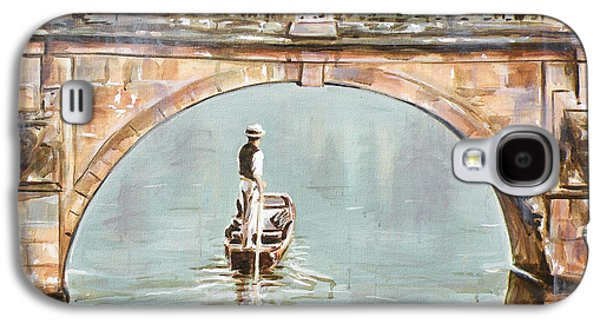 Cambridge Paintings Galaxy S4 Cases - Punting on River Cam under Clare Bridge Galaxy S4 Case by Leigh Banks