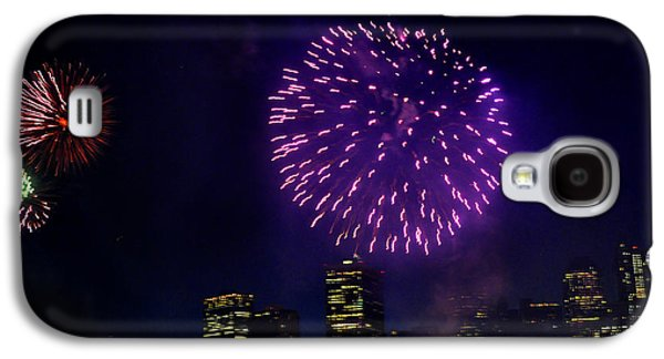 4th July Galaxy S4 Cases - Purple fireworks over New York City Galaxy S4 Case by Diane Lent
