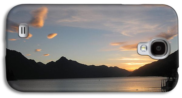 Sunset Greeting Cards Galaxy S4 Cases - Queenstown sunset  Galaxy S4 Case by  Lines