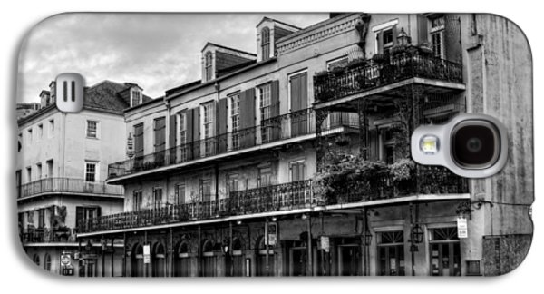 Quiet Time Photographs Galaxy S4 Cases - Quiet Time On Decatur Street in Black and White Galaxy S4 Case by Chrystal Mimbs