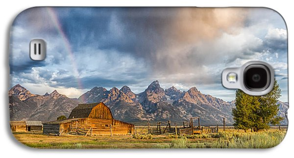 Outdoors Galaxy S4 Cases - Rainbow on Moulton Barn - Horizontal - Grand Teton National Park Galaxy S4 Case by Andres Leon