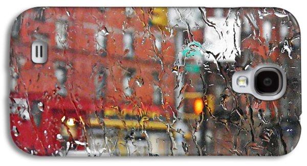 Rainy Day Photographs Galaxy S4 Cases - Rainy Day NYC 2 Galaxy S4 Case by Sarah Loft