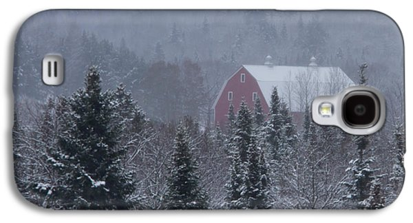 Red Barn In Winter Photographs Galaxy S4 Cases - Red Barn in Maine Galaxy S4 Case by Jack Zievis