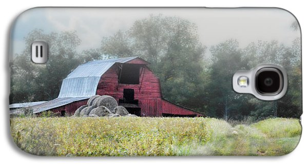Tennessee Hay Bales Galaxy S4 Cases - Red Barn In The Fog Galaxy S4 Case by Jai Johnson