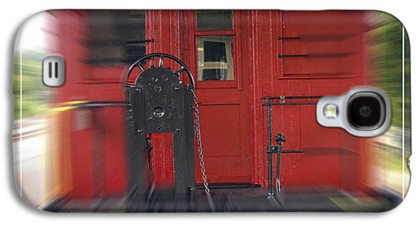 Caboose Photographs Galaxy S4 Cases - Red Caboose Galaxy S4 Case by Edward Fielding