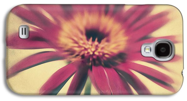 Texture Flower Galaxy S4 Cases - Red Gerbera Galaxy S4 Case by Angela Doelling AD DESIGN Photo and PhotoArt