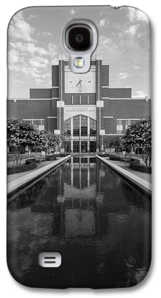 Reflecting Pond Outside Of Oklahoma Memorial Stadium Galaxy S4 Case by Nathan Hillis