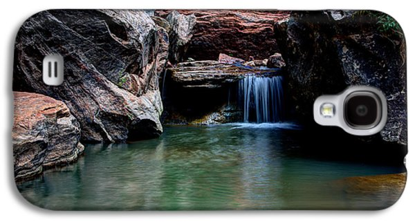 Red Rock Photographs Galaxy S4 Cases - Remote Falls Galaxy S4 Case by Chad Dutson