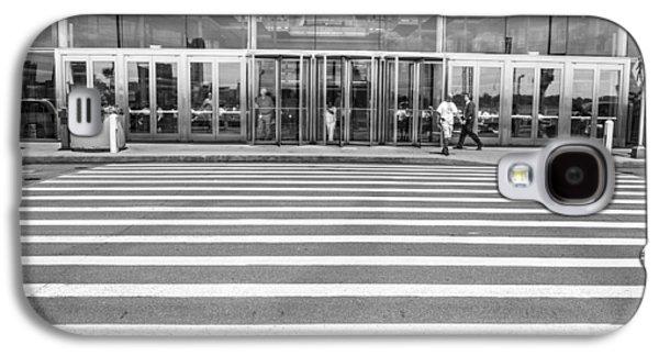Renaissance Center Entrance  Galaxy S4 Case by John McGraw