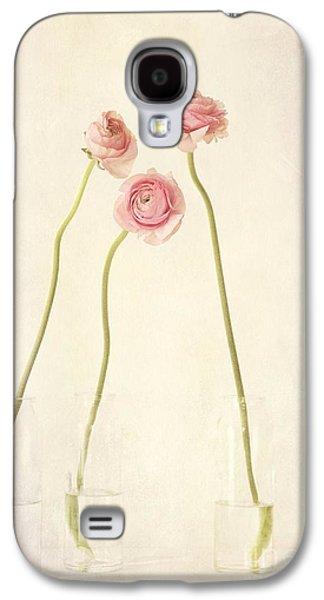 Floral Still Life Galaxy S4 Cases - Renoncules Galaxy S4 Case by Priska Wettstein