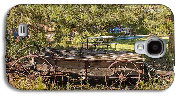 Retired Wagon At Thousand Trails Galaxy S4 Case by Bob and Nadine Johnston