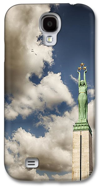 Star Alliance Photographs Galaxy S4 Cases - Riga freedom monument Galaxy S4 Case by Sophie McAulay